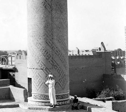 المؤذن الخاص لجامع الحيدرخانة يرفع