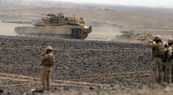 يعزز قواته على الحدود مع سوريا والعراق