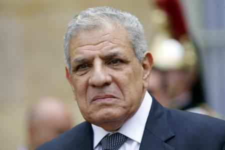 رئيس الوزراء المصري ابراهيم محلب في باريس يوم 13 مايو ايار 2015:. تصوير: تشارلز بلاتياو - رويترز