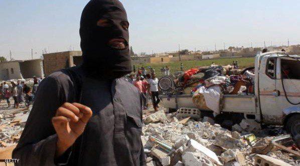"""أعلن رئيس البرلمان العراقي، سليم الجبوري، الجمعة، أن تنظيم الدولة المتشدد قتل أكثر من ألفي مدني في الموصل، منذ أن فرض سيطرته على المنطقة.  وتحدث بيان لمكتب الجبوري عن """"إعدام أكثر من ألفي مواطن بريء على أيدي تنظيم داعش الإرهابي""""، الذي يسيطر منذ العام الماضي على الموصل.  وكان التنظيم المتشدد قد اجتاح في يونيو 2014 الموصل في محافظة نينيوى، قبل أن يتمدد إلى عدة مناطق في شمال العراق وغربه، حيث ارتكب عدة فظائع.  وتسعى القوات الحكومية، بدعم من ميليشيات الحشد الشعبي ومقاتلين من عشائر المحافظات، إلى استعادة تلك المناطق ودحر التنظيم المتشدد عن العراق."""