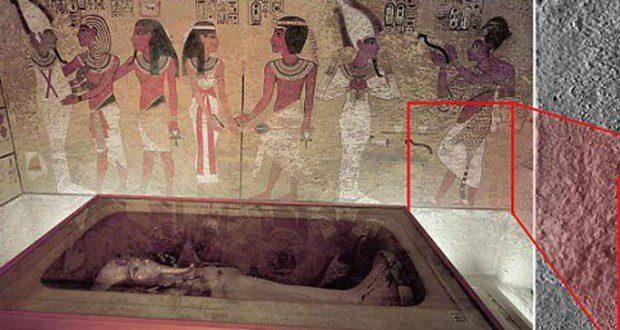 مصر...اكتشاف ممر سري يؤدي الى قبر نفرتيتي
