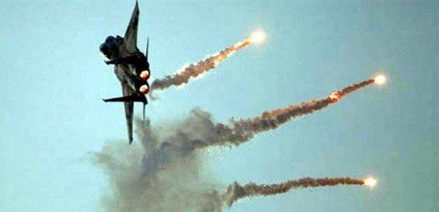 تدمير 17 عجلة لداعش بينها 3 مفخخات بقصف جوي قرب حديثة الانبار