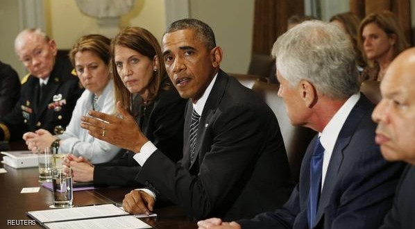 U.S. President Barack Obama (3rd R) holds a meeting with cabinet agencies coordinating the government's Ebola response in the Cabinet Room of the White House in Washington October 15,  2014.  From left are Chairman of the Joint Chiefs of Staff Gen. Martin Dempsey, Lisa Monaco, assistant to the president for homeland security and counterterrorism, Health and Human Services Secretary Sylvia Burwell, Secretary of Defense Chuck Hagel and Homeland Security Secretary Jeh Johnson. Obama abruptly postponed a political trip today in what was a sign of growing concern about the deadly virus. REUTERS/Kevin Lamarque  (UNITED STATES - Tags: POLITICS HEALTH DISASTER)
