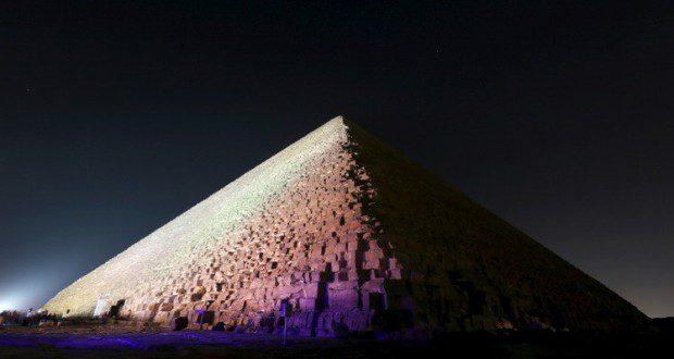 انبعاث حراري تحت الأهرامات يحير علماء الآثار