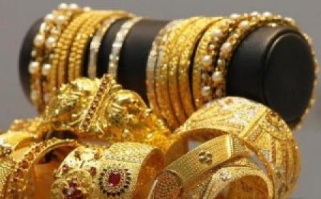 شبكة عراق الخير / متابعة   ارتفع سعر الذهب العراقي ،اليوم السبت ،الى 166 الف دينار للمثقال الواحد.  وبلغ سعر الذهب من عيار 21 ،اليوم السبت ، 166 الفا في حين بلغ امس الجمعة 164 الفا و 617 دينارا .  يشار الى ان مثقال الذهب الواحد يساوي خمسة غرامات.