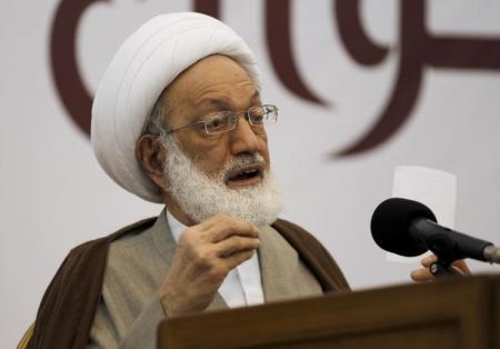 رجل الدين الشيعي الشيخ عيسى قاسم - صورة من أرشيف رويترز.