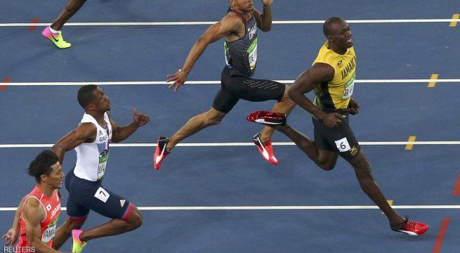 فاز العداء الجامايكي أوساين بولت بسباق 100 م في ألعاب ريو دي جانيرو الأولمبية، ليحقق انجازا تاريخيا بحصوله على ذهبية هذه المنافسات للمرة الثالثة على التوالي.