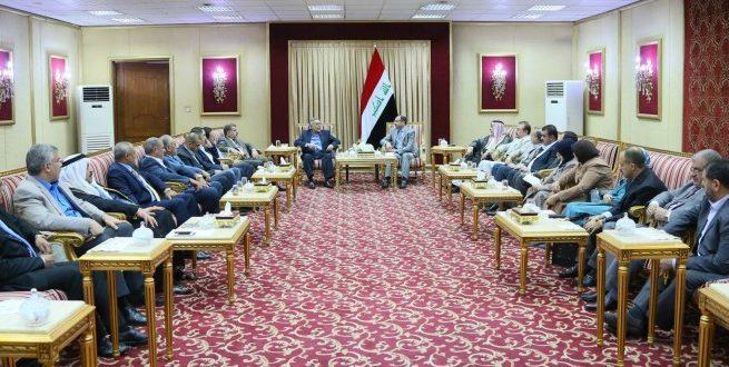 السيد-الرئيس-خلال-استضافته-اجتماع-كتلة-تحالف-القوى-الوطنية-25-8-2015-660x330-655x330