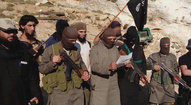 داعش يتخبط ويغلي 6 اشخاص ببراميل القير