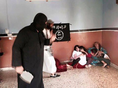 داعش يعدم {25} شخصا بوضعهم في غرفة مفخخة بالحويجة