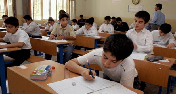 الطلبة الذين سيؤدون امتحانات الدور الثالث وينجحون منه يحق لهم التقديم على الانسيابية العام المقبل أو التقديم على الكليات الأهلية أو المسائية خلال هذا العام