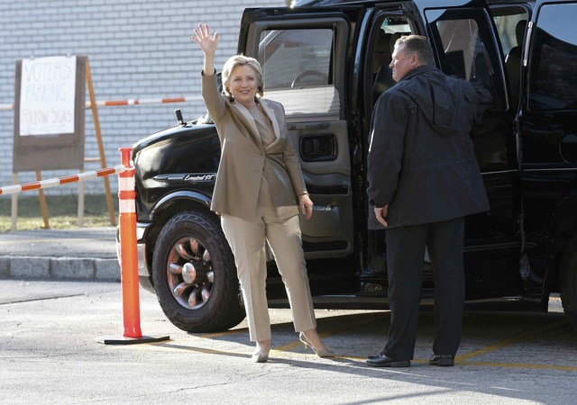 Democratic presidential candidate Hillary Clinton arrives to vote in the U.S. presidential election at Grafflin Elementary School in Chappaqua, New York November 8, 2016. REUTERS/Mike Segar