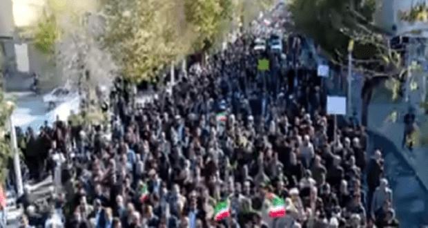 حاشدة في ايران لتأييد النظام ومعارضة الاضطرابات